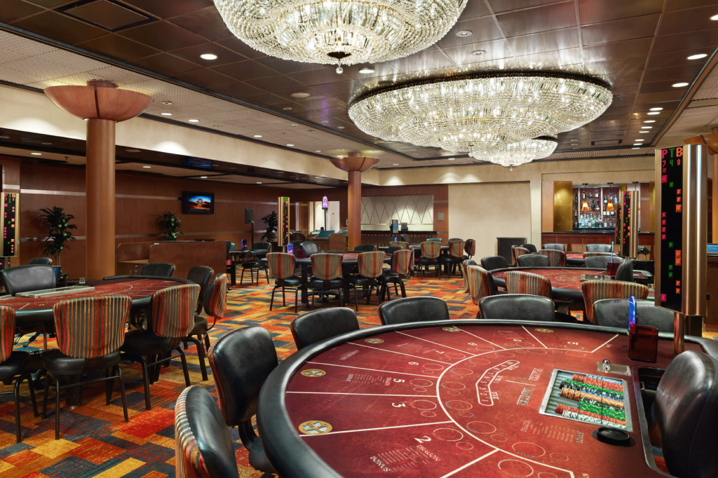 13_1casinos_09_aec_baccarat